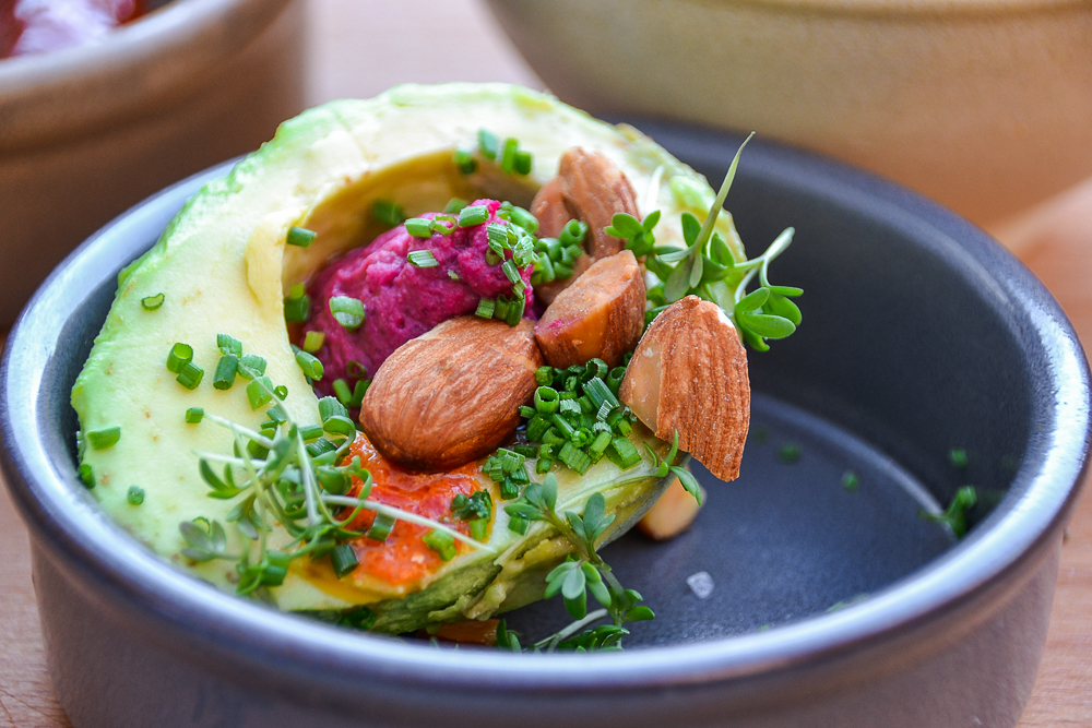 Mad Og Kaffe - Avocado and Beetroot Hummus